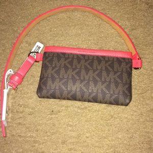 100% authentic Michael kors belt bag